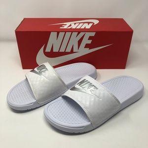 Nike Wmns Benassi JDI-White/Metallic Silver-NIB!!!